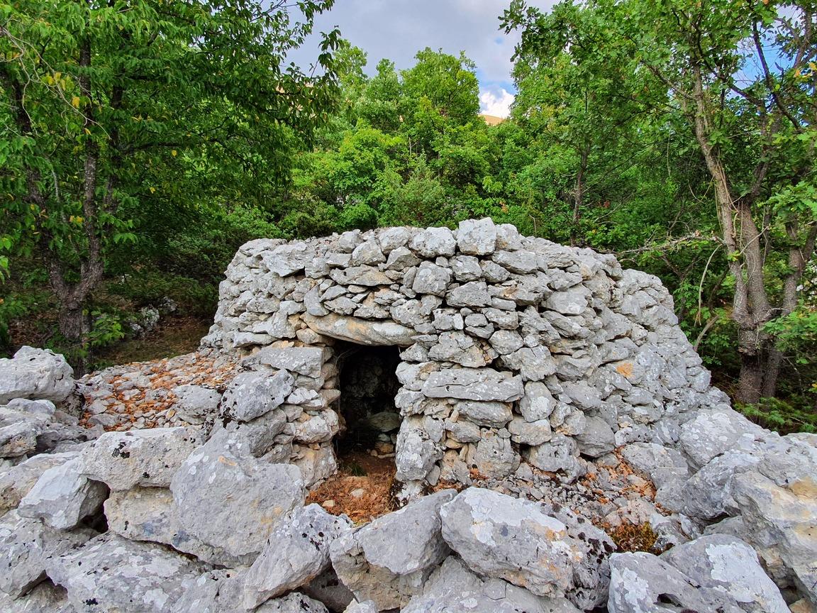 Villaggio capanne di pietra